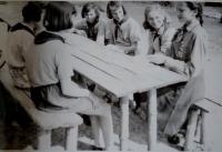 S kamarádkami v Pionýru
