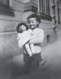 Marianna Pevná v dětství
