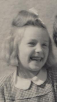 Jarmila Harsová v dětství