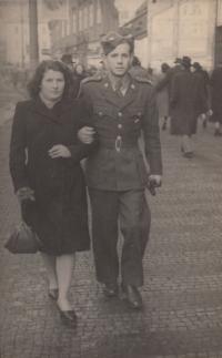 Jaromír Stojan těsně před svatbou, r. 1952