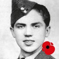 Plukovník letectva ve výslužbě Emil Boček odešel tajně z domova na konci roku 1939. Nebylo mu ještě ani sedmnáct. Dostal se do Bejrútu a postupně pak přes Francii do Anglie, kde se přihlásil k letectvu. Nejdříve sloužil jako mechanik a v říjnu 1942 byl přijat do pilotního výcviku. Stal se jedním z nejmladších československých stíhacích pilotů RAF. Má za sebou 26 operačních letů.