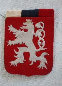 státní znak vyrobený z plechovky