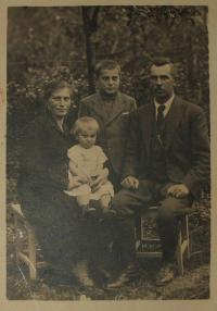 Kovaříkovi - rodina v třicátých letech