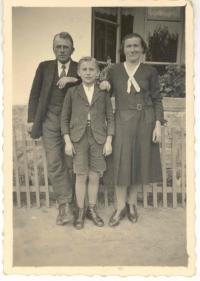 František Wiendl s rodiči, 30. léta