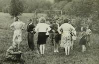 tanečky dětí v Konrádově - 30. léta