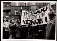Demonstrace na Škroupově náměstí v prosinci 1988 (první legální shromáždění v ČSSR)