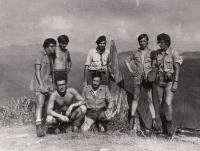 Roveři na začátku normalizace - M. Kopt v baretu