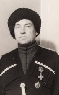 tatínek Viktor V. Karpuškin