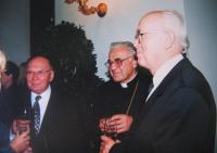 Josef Špak s arcibiskupem Vlkem a předsedou ERC Smetanou