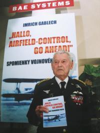 Gablech při prezentaci své knihy v roce 2005 v Bratislavě