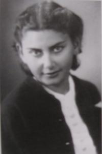 Dagmar po návratu z koncentračního tábora - rok 1945