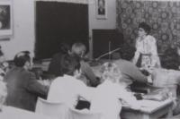 Dagmar přednáší svým studentům na univerzitě - 70.léta