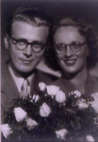 Pavel a Věra Olivovi svatební foto z roku 1946