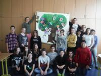 Žáci z projektu Příběhy našich sousedů a pocitová malba k příběhu pamětníka