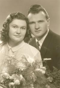 Svatební fotografie Irmy Stelčovské a Ladislava Nedomy, 1949