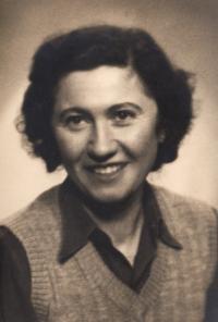 Vlasta Syrovátková, matka pamětníka, 60. léta