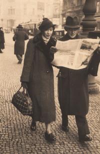Vlasta a Václav Syrovátkovi, rodiče pamětníka, před rokem 1949