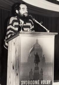 Vojen Syrovátka jako mluvčí Občanského fóra v Rumburku, rok 1989