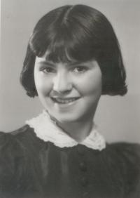 Zuzana_Beckmannova_-_15.4._1939 (manželka Miloše Dobrého)