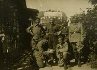 V.K. vpravo v Kyjích-17-5-1945