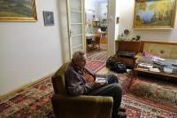 Felix Kolmer při nahrávání v projektu Příběhy našich sousedů