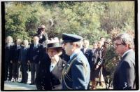 Premiérka Thatcherová v roce 1990 - JH 4. zleva