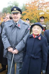 Manželé Hofrichtrovi v roce 2009 na Remebrance Day na pražských Olšanech