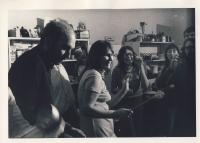 K. Nepraš, D. Němcová, Z. Ságlová v Ječné cca 1975