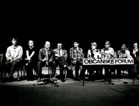 Tisková konference OF a Verejnosti proti násilí zleva, M.Sedláček, M. Pajerová, j. Čarnogurský, V.Klaus, V.Malý, R.Klímová, J.Dienstbier, V.Havel a P.Miller)