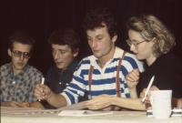 Tisková konference v Disku, Monika Pajerová a Šimon Pánek druhý zleva, 1989
