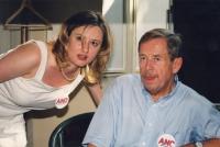 Monika Pajerová a Václav Havel, referendum o EU, 2003