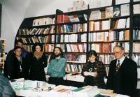 Při autogramiádě své knihy – nakladatelství Kalich, současnost (M.B. zcela vpravo)