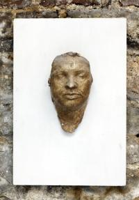 Posmrtná maska, kterou Janu Palachovi odlil Olbram Zoubek