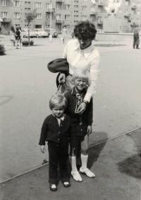 Manželka Anna s dětmi, Brno 1973