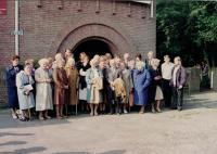 Farář Dus první zprava v druhé řadě, na zájezdu do Holandska se staršími členy sboru, asi 1992