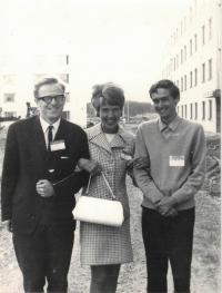 Farář Dus vlevo, na konferenci v Uppsale, 1968