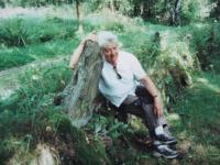 U patníku, který zasadil děda (cesta od Pašteckého mostu na Přední Paště)