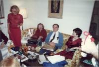 Vánoce 1982, Maryland, USA, zleva doprava Tatiana M. Gard, Vlasta Moravec (matka), Richard Gard (manžel), Anita Gard (dcera)