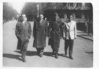 Čtveřice mužů - zleva -pan Hradec druhý, Milan Paumr - uniforma, Josef Mašín