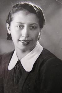 Emilie Pecová před válkou