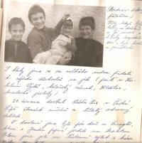 Rodinná fotografie z Částrova, 80. léta. Ukázka z rodinné kroniky Chronica Roubalorum, kterou psal Pavel Roubal