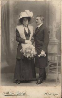 Maminka a tatínek Hájkovi…25.2.1901