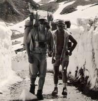 Jiří Lukšíček (Rys) a Jindřich Valenta (Vlk) na horách.