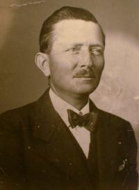 02 - otec Antonín Holík - narozen 1892