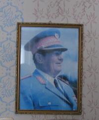 Josip Broz Tito, jehož obraz má pamětník doma na zdi