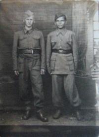 Rudolf Parobek s přítelem v Národně osvobozenecké armádě Jugoslávie