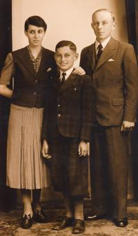 M. Fiala with his parents