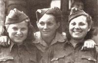 Praha 17. květen 1945, Věra Biněvská, Jarmila Kaplanová, Silvie Laštovičková