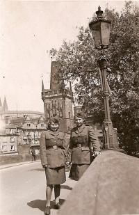 V Praze roku 1945
