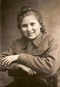Žákyně v Buzuluku Věra Biněvská 1942